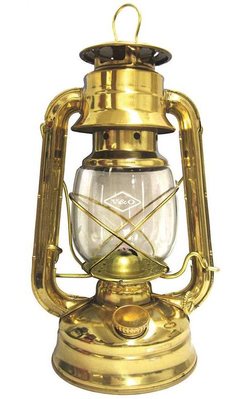 V&O 610-76114 Centennial Hurricane Oil Lantern, Brass
