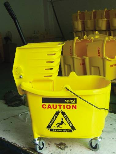 APPEAL� MOP BUCKET COMBINATION WITH SIDE PRESS, 35-QUART CAPACITY