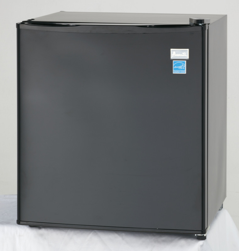 AVANTI RM17T1B BLACK 1.7CU FT CUBE REFRIGERATOR WITH SEPERATE