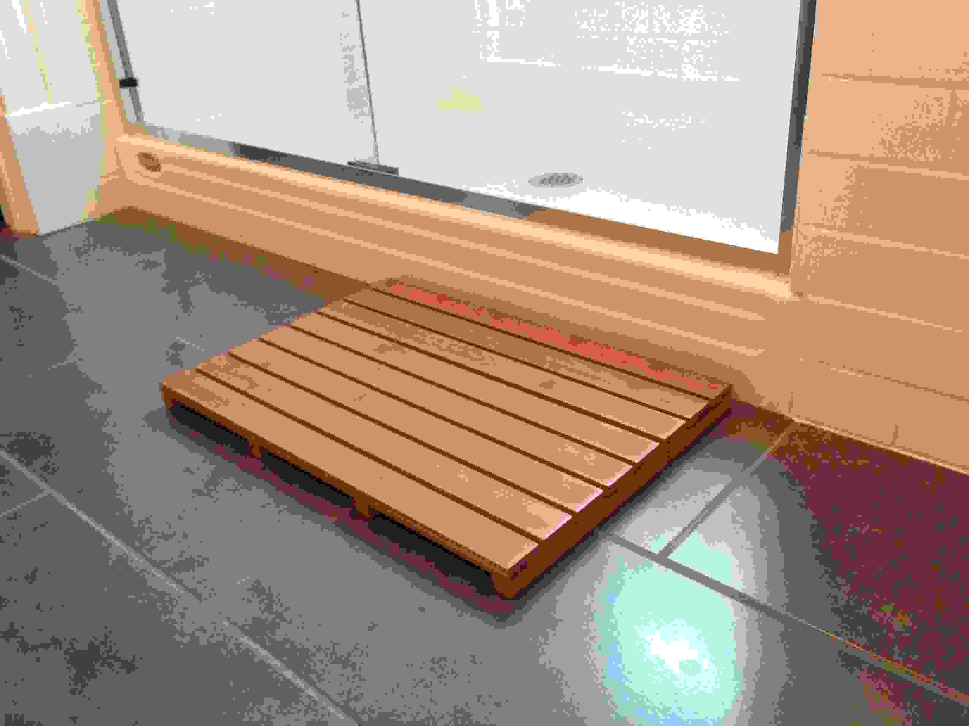 """16"""" x 24"""" Bamboo Bath & Sauna Mat"""