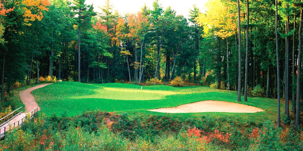 Biggies New England Photograph Golf Mural, Medium