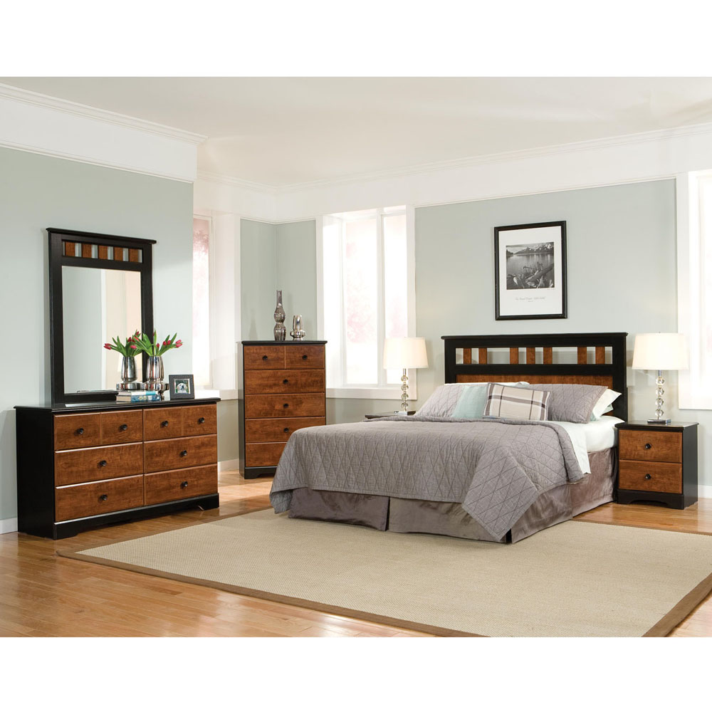 Westminster 5PC Bedroom Suite: QBed, Dresser, Mirror, Chest, Nightstand