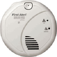 FIRST ALERT SCO7CN BATTERY-OPERATED COMBINATION SMOKE/CARBON MONOXIDE ALARM WITH VOICE LOCATION