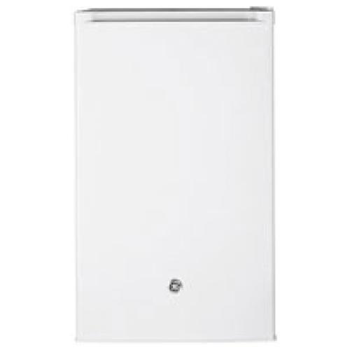GE� 4.4 CU.FT. COMPACT REFRIGERATOR, WHITE, REVERSIBLE DOOR SWING