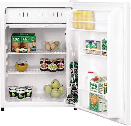 GE� SPACEMAKER 5.6 CU. FT. COMPACT FREE-STANDING REFRIGERATOR, WHITE ON WHITE, REVERSIBLE DOOR SWING