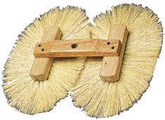 G05261 DOUBLE CROWS FOOT BRUSH