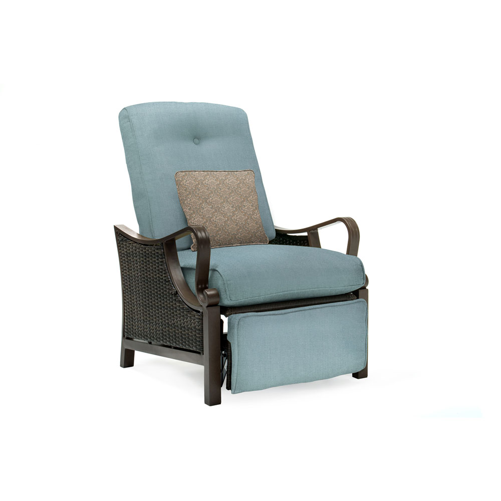 Ventura Luxury Recliner with Pillow Accessory, All-weather, Resin Weave