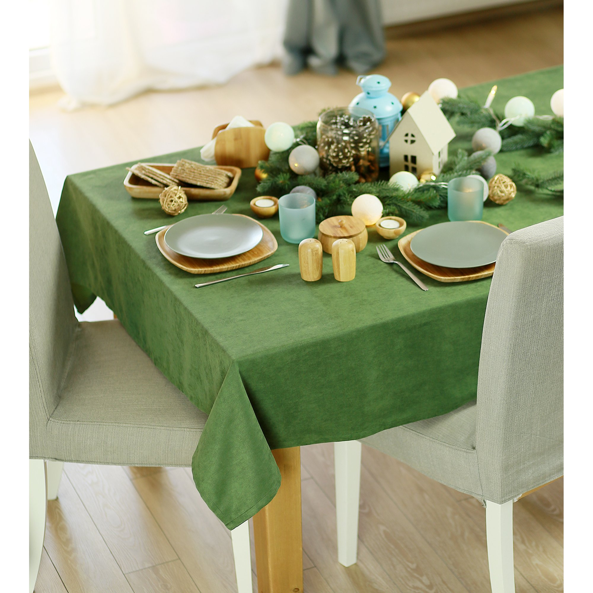 """104""""  Merry Christmas Rectangle Tablecloth in  Green"""