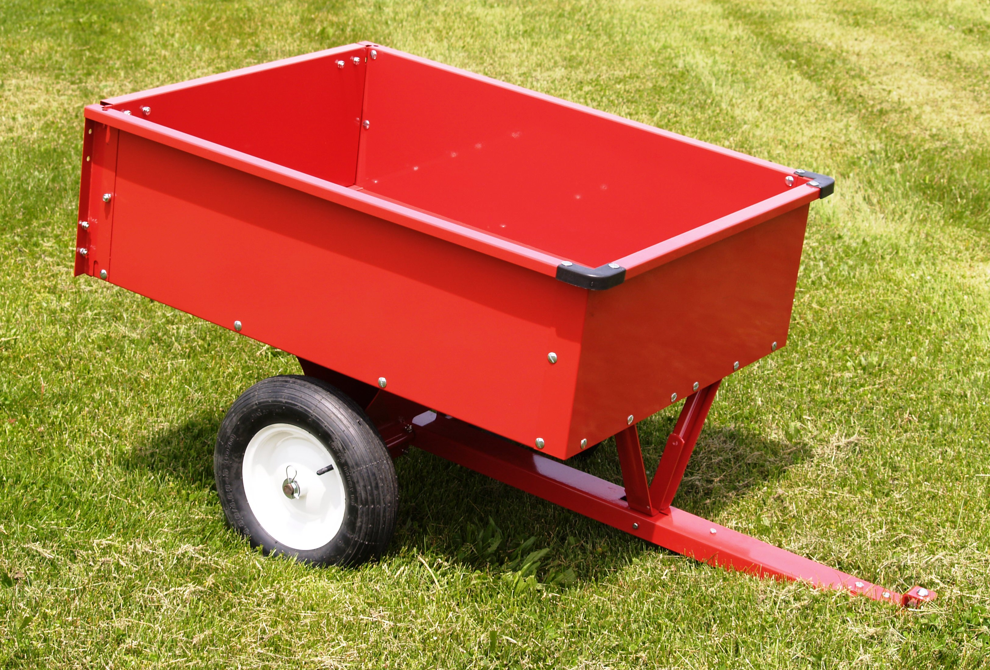 TRAILING STEEL DUMP CART