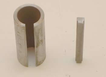 "Sleeve-34-1x220-Key, 2.20"" Long, to go from 3/4"" shaft to 1"" shaft including a stepped key from 3/16"" to 1/4"""