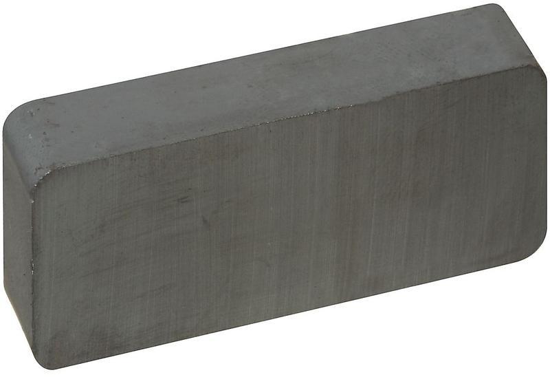 V7537 1-7/8X7/8X3/8 BLK MAGNET