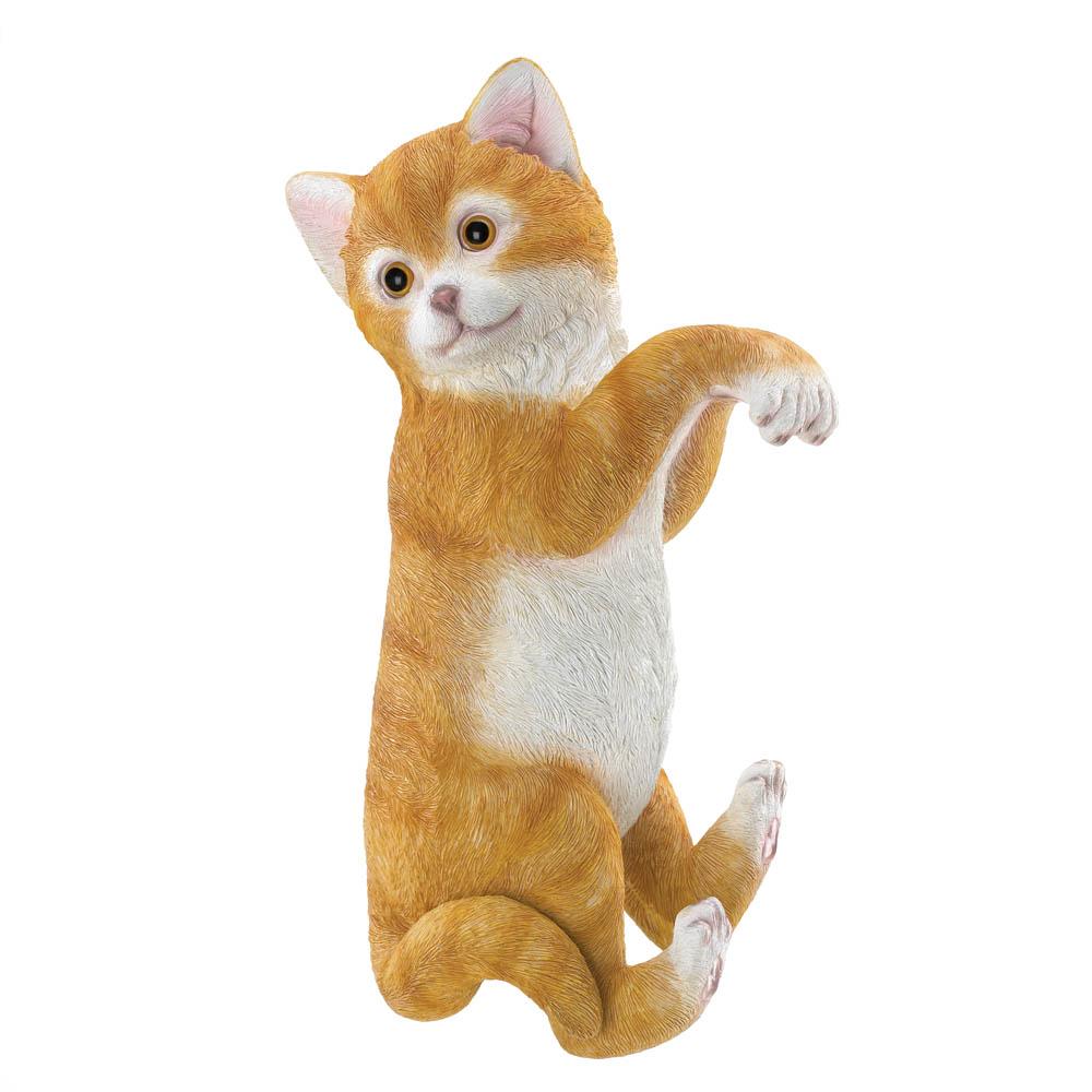 �Climbing Cat Decor