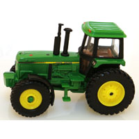 TOY TRACTOR W/CAB VINTAGE