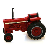 TOY TRACTOR VINTAGE