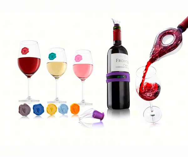 Wine Tasting Gift Set with Wine Aerator, Snap Thermometer, 8 Glass Markers Classic Grapes, 2 Wine Server
