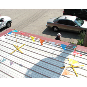 X-WARNING LINE Set Of 4 w/ 1 flag set