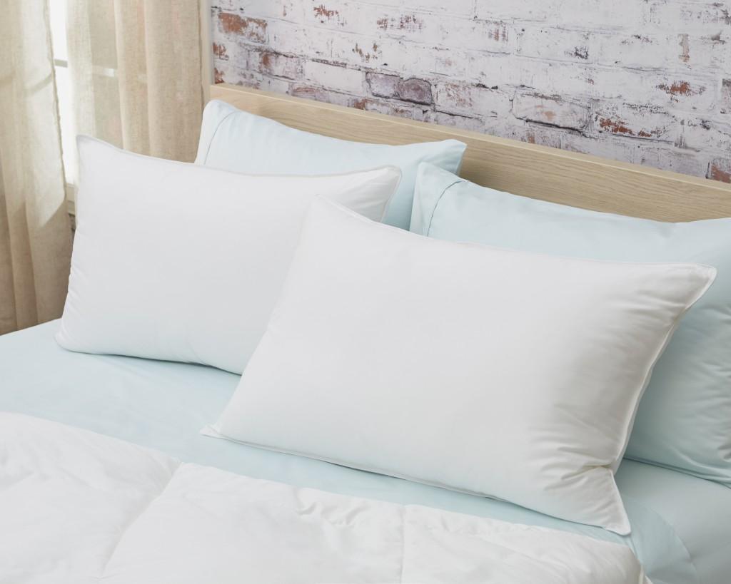 Lux Sateen Down Alternative Queen Size Firm Pillow