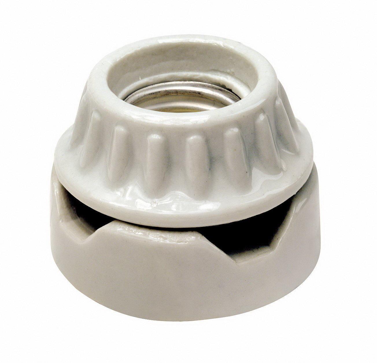 Leviton 001-09880-000 1-Circuit 2-Piece Keyless Lamp Holder, 660 W, Incandescent, Medium, White