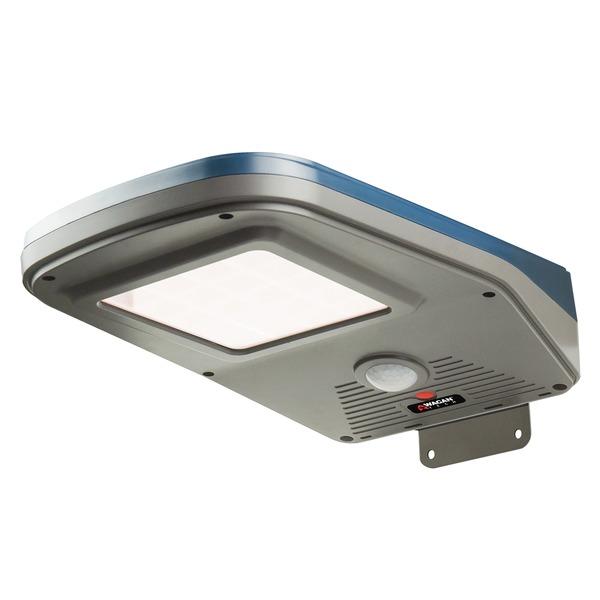 Wagan Tech 8590 Solar + LED Floodlight 2000 with Remote